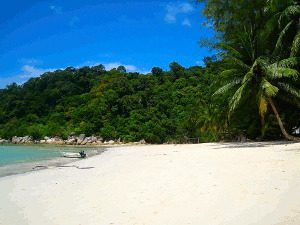 Holidays in Malaysia - Beautiful Islands with White Sandy Beaches