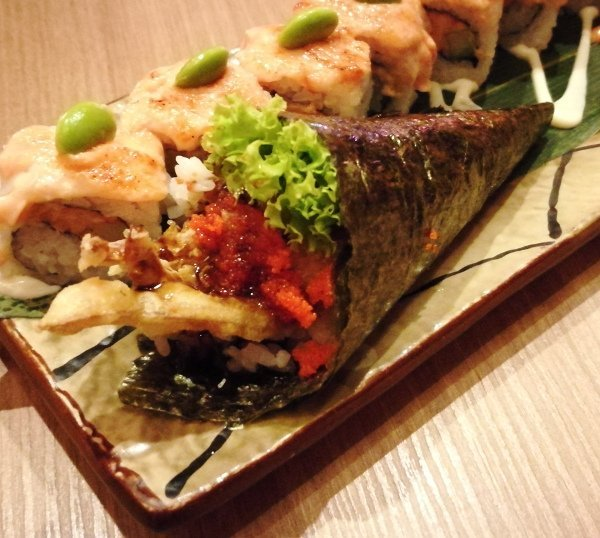 Best Places To Eat In Kuala Lumpur - Kinjuku SetiaWalk Mall Review - Soft Shell Crab Temaki