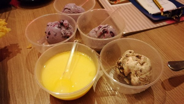 Best Places To Eat In Kuala Lumpur - Kinjuku SetiaWalk Mall Review - Haagen Daz Ice Cream
