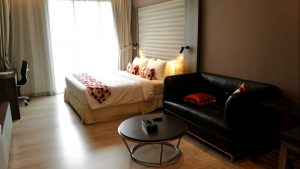 Kuala Lumpur Hotels - Ramada Suites Kuala Lumpur City Centre - Bed & Sofa