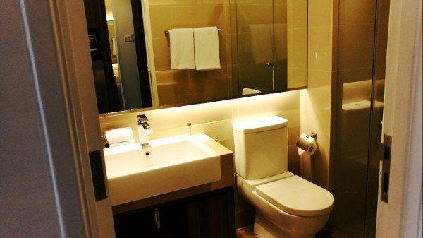 Kuala Lumpur Hotels - Ramada Suites Kuala Lumpur City Centre - En Suite Bathroom