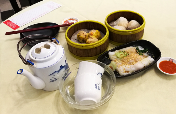 Some of the dim sum we had - siew mai, har kow, cheong fun & tea