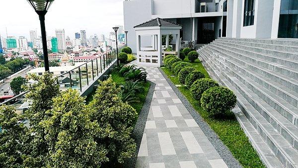 Garden at The Bridge Club Hotel