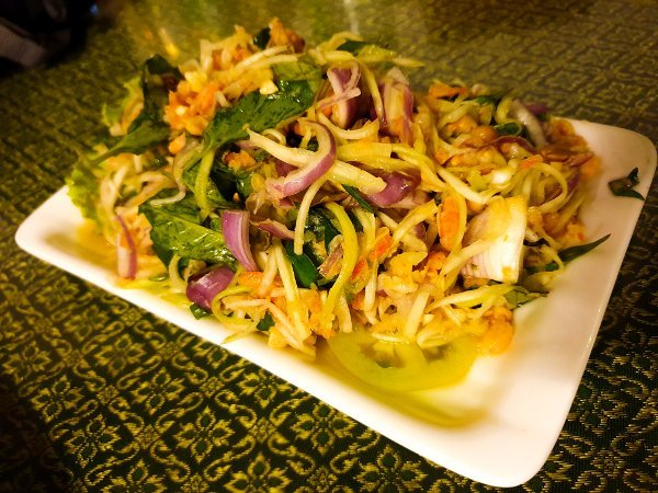 Phnom Penh Restaurants - Salad with minced chicken