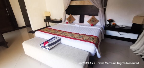 Large King Sized Bed at One Bedroom Villa