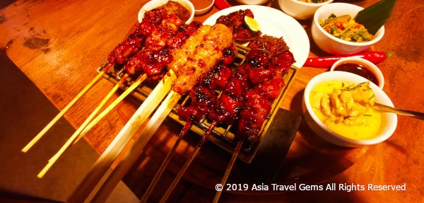 Best Places To Eat in Bali - Warung Nia - Delicious Balinese Rijsttafel Focus On Mixed Sate