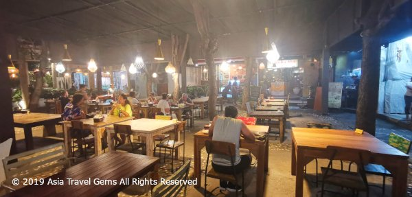 Best Places To Eat in Bali - Warung Nia - Dining Area